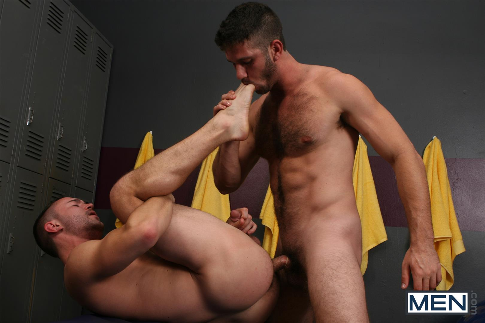 Athletic Jock Spitroasted In Locker Room