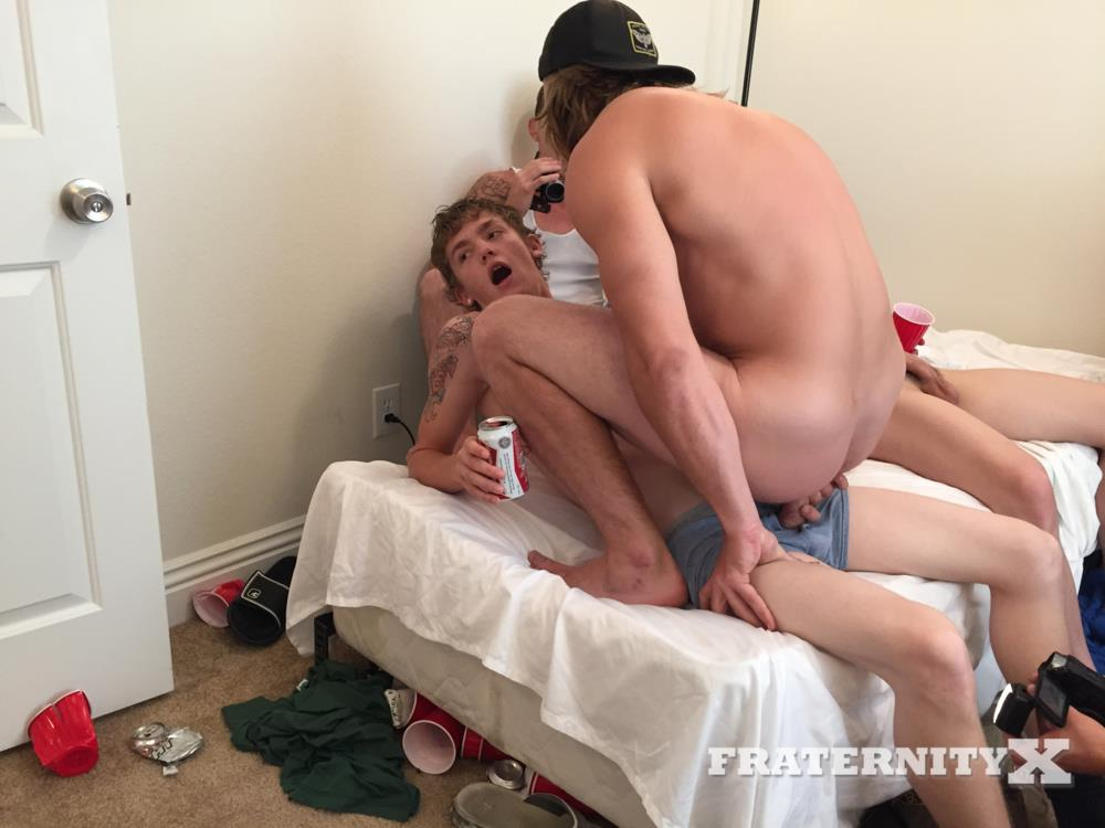 Fraternity-X-College-Guys-Fucking-Bareback-Video-Amateur-Gay-Porn-12 Drunk Frat Guys Sucking Cock And Getting Fucked Bareback
